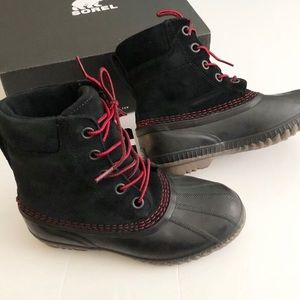 NWT Sorel Black:Red Winter Boots